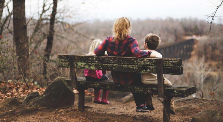 Ensamstående mamma med sina barn