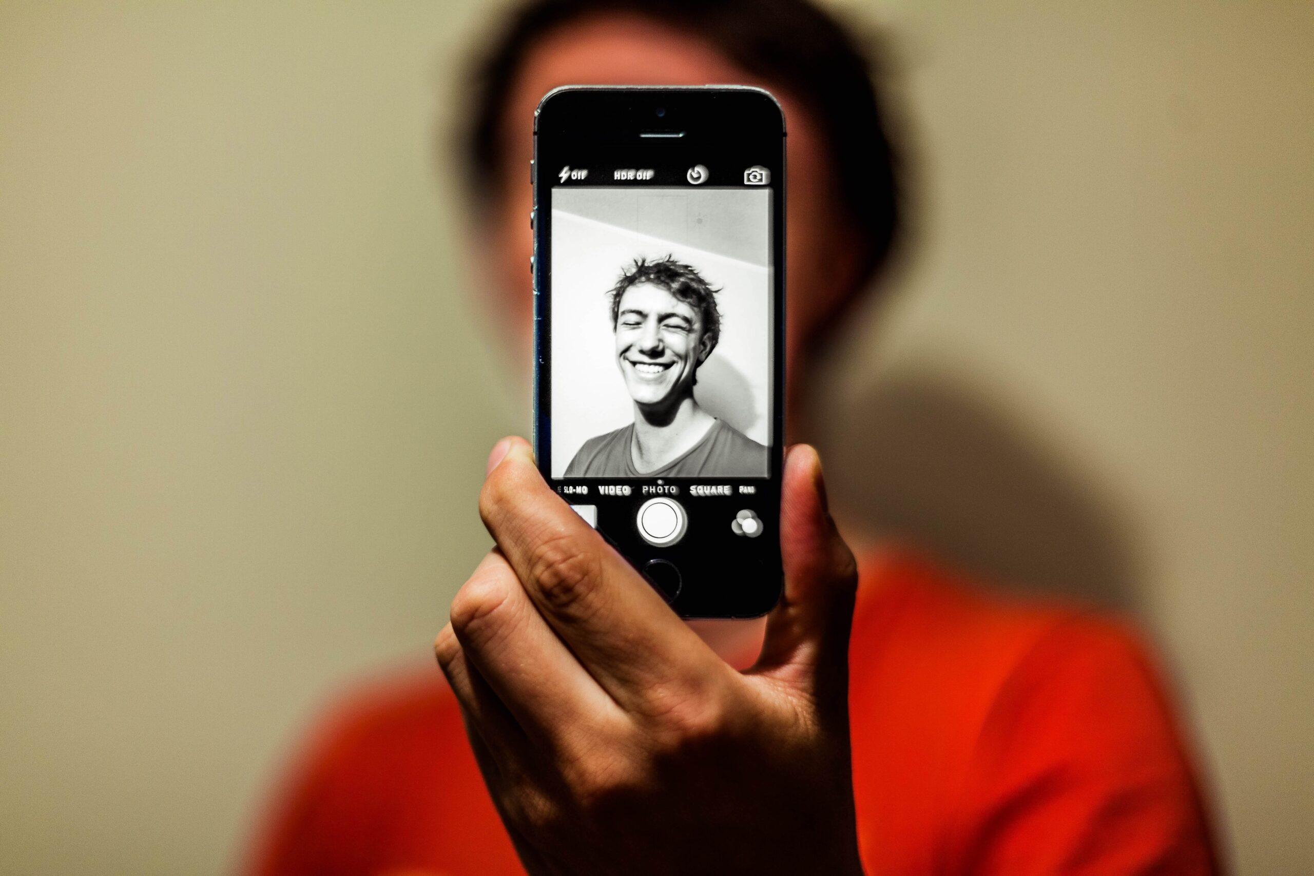 Person som tar en profilbild